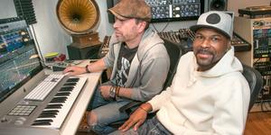 Musikproducenterna Daniel Jobark och Kevin Dennis vill hitta framtidens talanger.