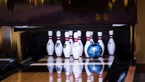 Bowling eller laserhall kan ungdomarna välja mellan.