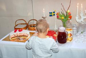 Kyrkan bjuder på bröllops- eller dopfika.