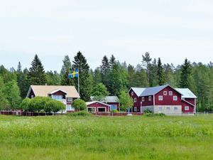 Den här fastigheten i Kasa utanför Örnsköldsvik såldes för 3 miljoner kronor. Foto: Mäklarhuset