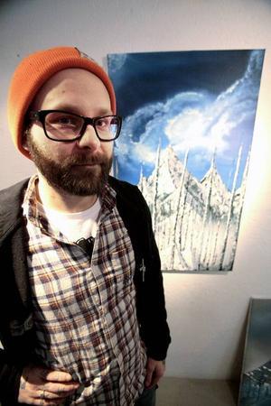 Jonas Wilhelmsson visar både oljor, collage och tusch på Urbn Arts.