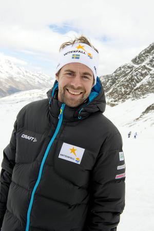 Rikard Grip från Månkarbo anses vara den viktigaste faktorn bakom skidlandslagets succé i OS, men själv har han en ödmjuk inställning och tonar ned sin egen betydelse.