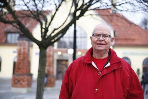 Bo Johansson reser oftast till Stockholm. Därför gillar han det nya taxesystemet.
