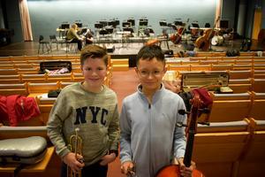 Algot Vinsander, trumpet och Christian Luong-Larsson, cello spelar på lördagens konsert. Det gör även Panyha Tanatninkul, sång, som dock inte kunde närvara vid intervjun.
