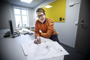 Marcus Carlsson på NP3 fastigheter som även ansvara för parkeringsområdena tar till sig kritiken om parkeringarna  vid Lillänge.