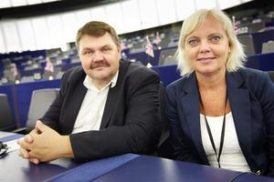 STRASBOURG 20140714Peter Lundgren (SD) tillsammans med Kristina Winberg (SD) i EU-parlamentet i StrasbourgFoto: Fredrik Persson / TT / kod 75906
