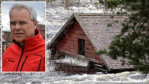 Kulturchef Peter Gunnarsson känner viss oro för de kulturminnen som finns i anslutning till Ljungan,  men konstaterar samtidigt att man just nu bara kan vänta ut vårfloden.