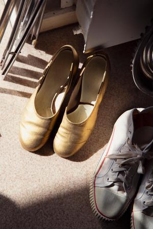 Skorna är en viktig del att börja med när man ska hitta ny utstyrsel, menar Caroline Wikström.