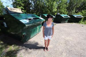 Maritha Röstlund är besviken på Lekebergs kommun som hon hade trott skulle kunna flytta återvinningsstationen i  Lanna.