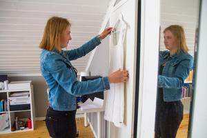 Efter studenten tar Tess Persson ett sabbatsår och jobbar inom äldreomsorgen i Bergsjö.
