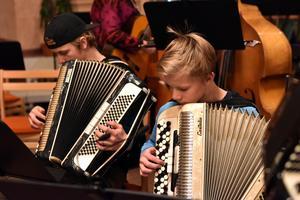 Dragspelstraditionen är stark i Älvdalen. Fortsätter dessa musiker också spela kommer den också vara stark i fortsättningen.