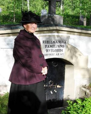 2009 års kulturkvinna Gunilla Nilsson Edler fick sin utmärkelse för allt bra hon har gjort för Vår Lilla Stad genom sina guidade visningar om bland annat staden Östersunds äldre historia.