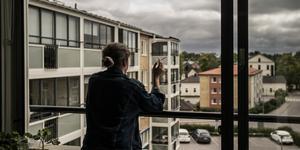 Tänk på de som är sjuka, sitter i rullstol och andra, ska inte dessa kunna röka på balkongen?, skriver Leif Nyström. (Bilden är en genrebild.)