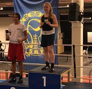 Elise Saulescu från BK Swing knep ett guld under USM/JSM–tävlingarna i Västerås.
