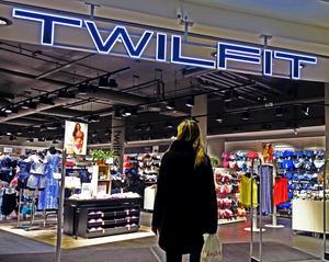 Twilfit försätts i rekonstruktion.