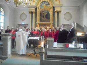 1 Advent i Högsjö Kyrka med Högsjö Kyrkokör och Ramviks Hembygddskör