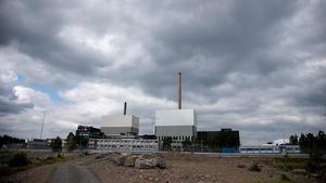 Kärnkraften är en förutsättning för vindkraften, skriver signaturen Nathan Leroy som även kritiserar handeln med elcertifikat som han menar tvättar smutsig el ute i Europa.
