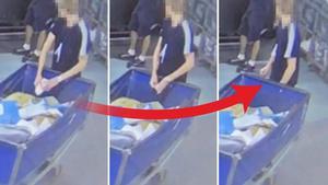 Den anställde river upp brev – och stoppar innehållet i fickan. Bild: Postnords övervakningskamera.