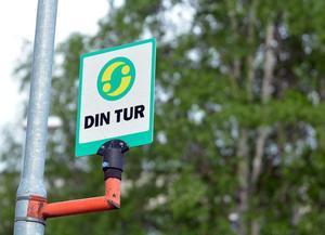 Räkna med busstider som ändras helt ologiskt under två månader på sommaren, när skolor har sommarlov, så den buss du brukar ta till jobbet inte längre går samma tid, du får kliva upp en timme tidigare, skriver signaturen Kjell-Åke.