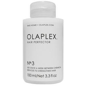 Räddaren för blekta hår!En räddare för oss som bleker och slingar håret  - 80 miljoner behandlingar har gjorts hittills, det säger väl något! Olaplex länkar samman svavelbindningarna i håret och gör det starkare. Blöt och handdukstorka håret innan du använder Olaplex, låt det verka i minst 10 minuter, men gärna över natten. Flaskan räcker länge - för mellanlångt hår använder du en klick stor som en enkrona. Hårstråna känns lite kraftigare och stärkta efter behandlingen. Det är som att håret varit på spa! Kom ihåg att avsluta med en fuktgivande inpackning efter Olaplexbehandligen. Sedan kan du fokusera på sol och bad - med ett härligt friskt sommarhår!Olaplex hair perfector No 3, 100 ML, cirkapris 279 kronor.