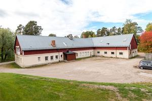 Byggnaden i Strömsbruk. Foto: Fastighetsbyrån Hudiksvall.