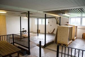 Det gamla stallet har fått en rejäl upprustning. Kylrum har byggts, väggar har målats och golvet gjutits om.
