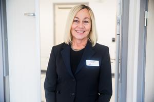 Lena Kruse är verksamhetschef för vårdavdelningarna på sjukhuset och menar att den bristande omvårdnaden inte får hända och inte är förenlig med sjukhusets omvårdnadsstandard.