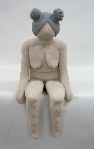 Ida Rönnberg utforskar kvinnokroppen i sina lekfulla skulpturer. Foto: Västerås Konstskola