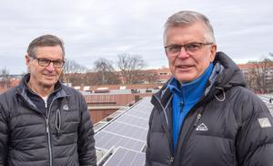 Henry Söderman och Lars Jansson berättar att föreningen Pyndaren i Gävle planerar för mera solpaneler på hustaken i kvarteret.