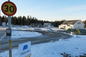 Ett tiotal småhus har påbörjats på Malmen. Även de första radhusen är på gång.
