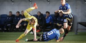 Linus Hallenius och GIF Sundsvall föll tungt mot Sirius. Bild: Staffan Claesson/TT