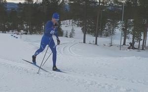 Emil Danielsson under fredagens klassiska lopp där han blev 30:e  – sedan kom en femteplats i sprint under lördagen. Foto: PRIVAT