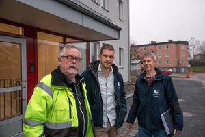 Nöjda med resultatet. Torbjörn Nordström, Trollebo bygg, Kristoffer Holgersson, fastighetschef Hallstahem och Håkan Jansson, projektchef, Hallstahem.