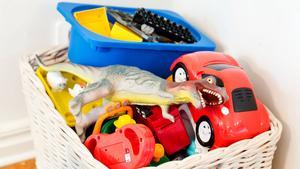 Barnen kan visst städa sitt rum om de vet var sakerna ska ligga. Möblera i deras höjd, tipsar Anders Öfvergård.