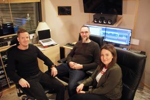 I studion på Nygatan, som Mikael Olsson ägt i ungefär 15 år, skapas musiken.