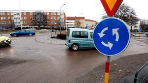 Varför så bråttom, undrar insändarskribenten och uppmanar en kär trafikant att starta tidigare. Bild: Mattias Myde