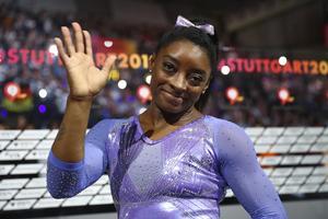 Gymnasten Simone Biles är en av de idrottsstjärnor som donerar pengar för att hjälpa till under coronapandemin. Arkivbild.