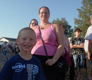 Alex Blom Olsson med sin moster Åsa.