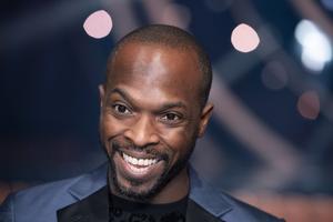 Kodjo Akolor beskriver föreställningen som 60 procent rolig och 40 procent allvarlig.