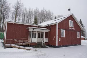 De extra slantar som blir över av försäljningen av snårskogen i Nyby, ska bland annat gå till upprustning av bystugan Nybygården.