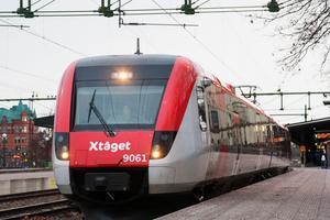 Skribenten tycker att det finns mycket som talar för ett tågstopp i Bergby.