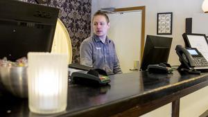 Henrik Pettersson, restaurangchef på Fagersta Brukshotell, hoppas att Fagerstaborna blir nöjda med förändringarna.