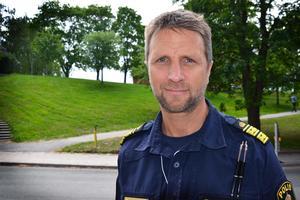Polisområdeschefen  Kenneth Bergquist tycker att läget börjar bli ljusare för polisen. Till höstens polisutbildning har över 11 000 personer sökt, vilket är rekordmånga.
