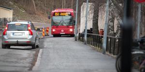 Flera hållplatsen har dragits in för busslinje 854, på grund av stenkastning.