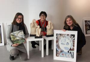Monica Lindgren, Maria Eriksson och Ylva Björnström  ställde ut på Galleri Granen i Sundsvall i mars i år.