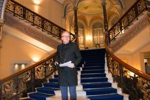 Hotell Knaust är särskilt framträdande i Jonas Moströms bok