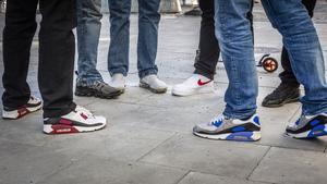 Nu genomför Gislaveds kommun en kampanj för att informera skolungdomar om vikten av att hjälpas åt för att minska smittspridningen av coronaviruset. Bilden är en genrebild. Foto: Helena Landstedt/TT