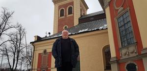 Martin Olsson spelar filmmusik i S:ta Ragnhilds kyrka.