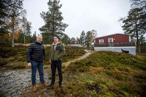 Stugbyn har fått åtta besläktade nya ägare. Hälften finns i Örnsköldsvik. Jörgen Kallin och Victor Blomquist ser fram mot de kommande utmaningarna att driva anläggningen.