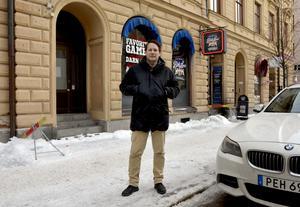Bitelines ägare Ola Hermansson fick hyran på sin uteservering mer än fördubblad på ett år.